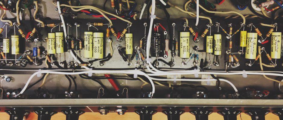 Fender Deluxe Reverb ombyggd till turretboard och biastremolo